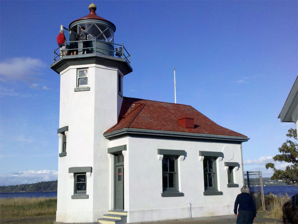 Vashon-04-quarters-lighthouse.jpg