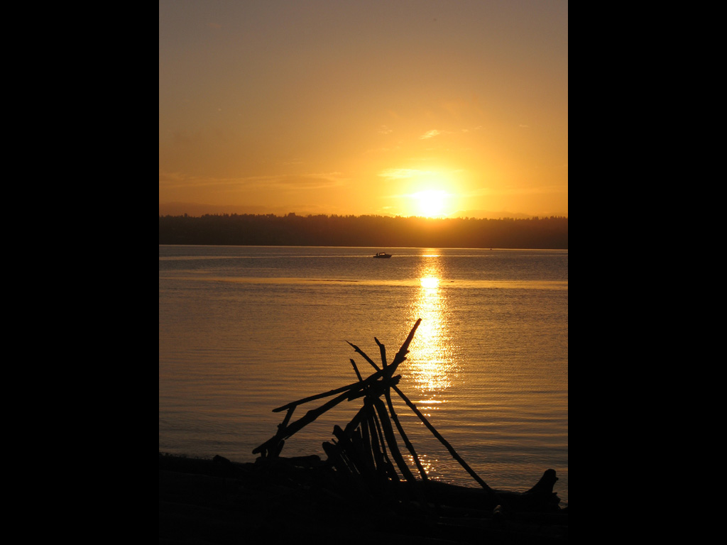 Vashon-10-sea-sunrise-tipi.jpg